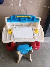 Step 2 Childrens Art Desk and Chair Omaha, 68144