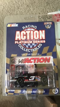 Collectible Dale Earnhardt 1998 Monte Carlo Limited addition car