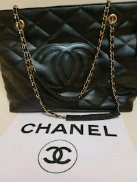 Gorgeous  Chanel  tote  bag  Whitby, L1N 8X2