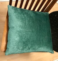 Silk feel green cushion Washington, 20036
