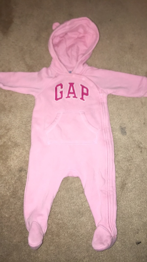 c63560e1a48 Used Gap baby girl romper for sale in Mississauga - letgo
