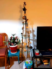 Rustic,authentic,legit, freshly DIY'd xmas tree.