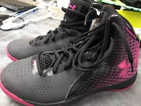 Women's under armour basketball shoes sz 9.5