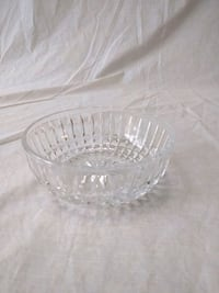 2 Crystal Serving Bowls w/ Silver Carrier Bunker Hill, 25413