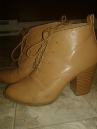 pair of women's brown leather almond-toe chunky-heeled booties Pittsburgh, 15202