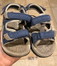 Boy's sandals Fort Erie, L2A 4M8