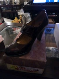pair of brown leather platform stiletto shoes 52 km