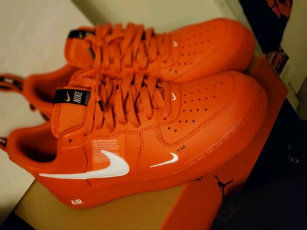 Red Overbranding NIKE AF1 size 10 81f79b0d-054b-46ac-aedc-1f0d9caf1819