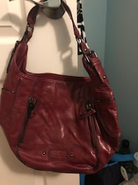 Women's red leather shoulder bag Mississauga, L5G