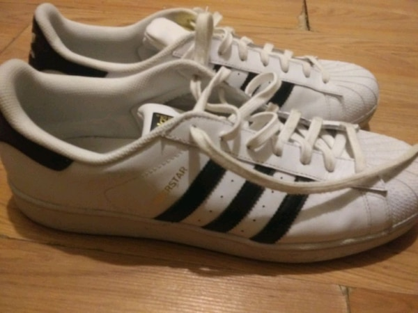 meilleur site web 42550 b3f0a Old school black and white Adidas