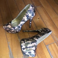 Size 8.5/9 Camouflage patterned heels Montreal