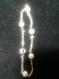 Small childs silver and pearl colored bracelet Johnson City, 37604