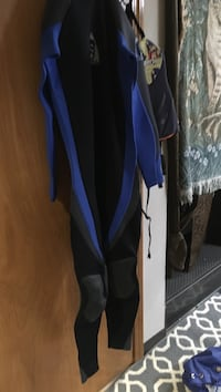 blue and black wet suit Portland, 97239