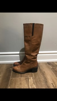 Woman's Tan Boots Size 7