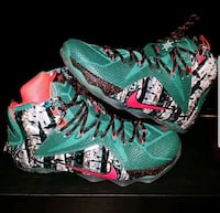 green-and-red Nike basketball shoes size 8.5 Lanham, 20706