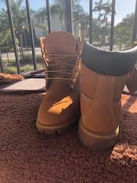 Men's Timberlands Boots size 8 Fort Myers, 33919