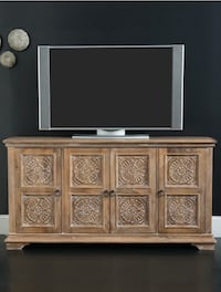 New 68 entertainment console by hooker furniture Airdrie, T4B 3W3