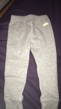 Roots kids joggers/leggings  Grey, slim fit. Size 2T Toronto, M5A 4A8