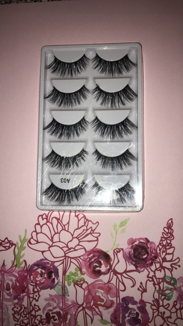 cb33b0f4503 Used Fake eyelashes : 10 pieces for sale in Coconut Creek - letgo