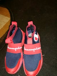 Chapion runners red/ blue kids youth 4/and a half