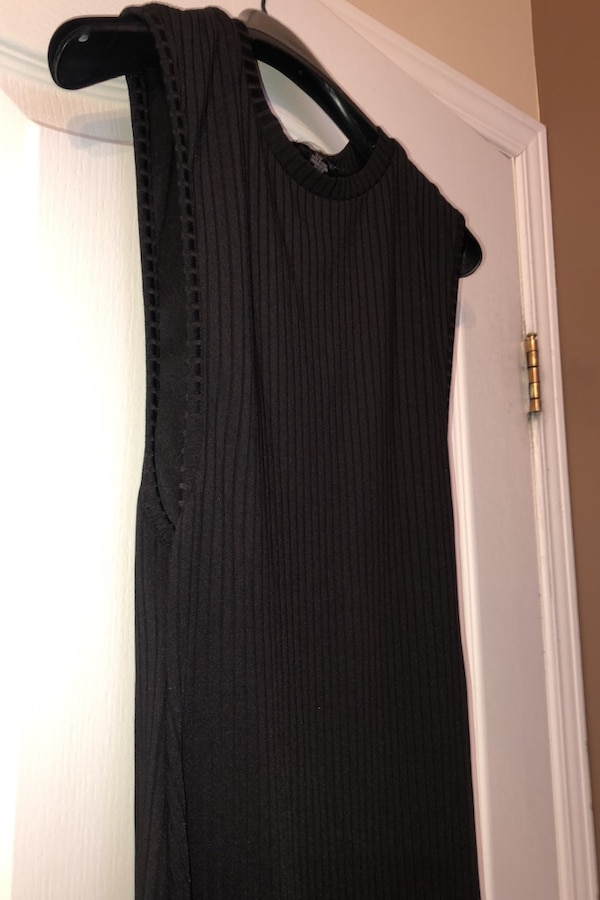 Woman's black fitted dress 1