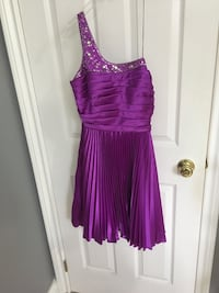 Grad dress, only worn once.  Size 4...best offer