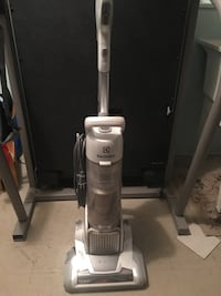 Electrolux pro precision pretty much new used twice  Calgary, T2X 3L4