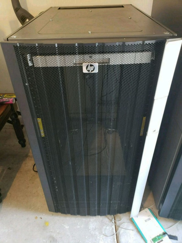 HP 48u Rack Enclosure, with HP Tft Mon, Key,Mouse
