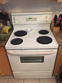 White and black electric coil range oven stove Toronto, M1R 4V6