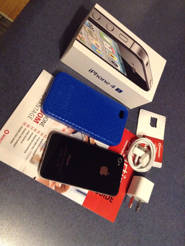 Used, black iphone 4 with accessories for sale  Dartmouth
