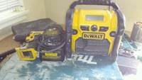 Dewalt stereo and extracharger and 2 18v batterys Calgary, T3A 5P5