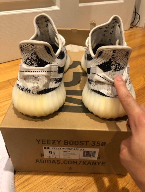 Letgo White Box Pair V2 Used Adidas For Null Sale Boost In With 350 Of Yeezy 1Awwxq6
