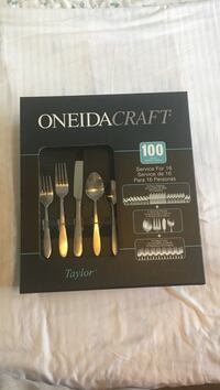 silver Oneidacraft utensil set with box (Taylor collection) Richmond, V7A 4P5
