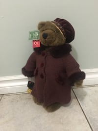 Olivia #3855 Russ Bertie Collectible Bear and Stand