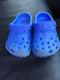 toddler's blue rubber clogs 1968 km