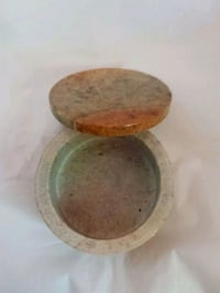 Hand carved Soapstone Trinket Box or bowl New Cambridge