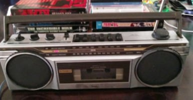 VINTAGE SEARS STEREO RADIO CASSETTE RECORDER AM/FM