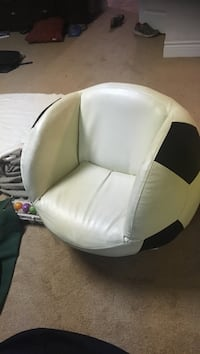 white and black leather bean bag 3474 km