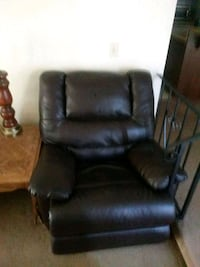 black leather padded sofa chair Sacramento, 95826