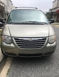 Chrysler - Town and Country - 2005 Baltimore, 21220