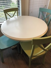 Kitchen table and 4 chairs  Cypress, 77433