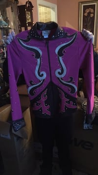 Brand new never worn extra small riding outfit (for horse shows) Omaha, 68137