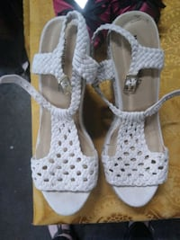 pair of white leather open-toe heeled sandals Anderson, 96007