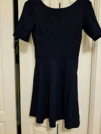 black scoop-neck dress Calgary, T3M 1Z4