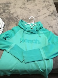 Bench hoodie like new size large  Edmonton, T5X 4H5