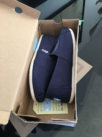 Brand New Toms Classic Navy size 7.5