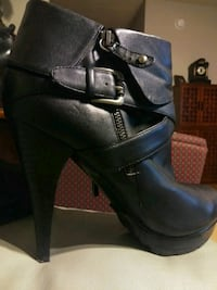 Guess Leather Ankle Boots 9 26 km