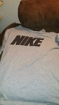 gray and black Nike crew-neck shirt New Ulm, 56073