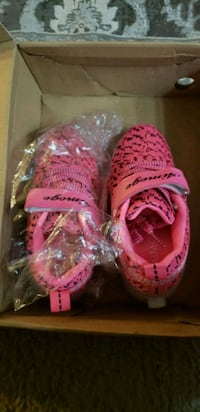 Pink color wheeler shoes/colorful light.new in box Brownsburg, 46112