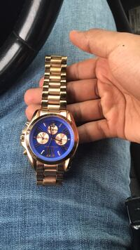Micheal kors watch  249 mi